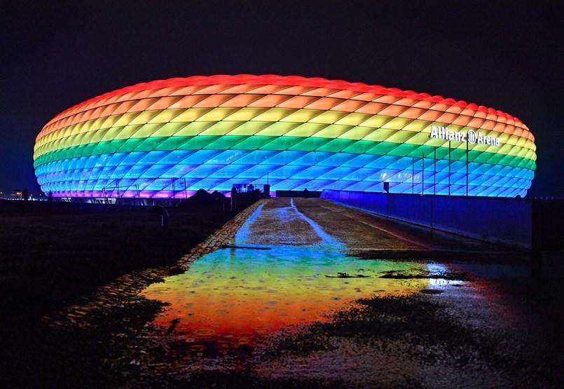 Miért nem valószínű, hogy az UEFA belemegy a müncheni stadion szivárványos kivilágításába?