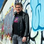 Német Knight Rider: a berlini falért kampányol Hasselhoff – fotók
