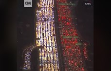 Megbénítja az amerikai autópályákat a hálaadás – videó
