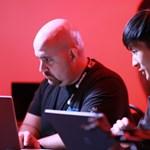 Összecsaptak a legnevesebb hackerek és a legismertebb okostelefon-gyártók