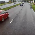 Egy idős nő sétált az M5-ös bevezető szakaszán, szerencsére megállt egy autós  – videó