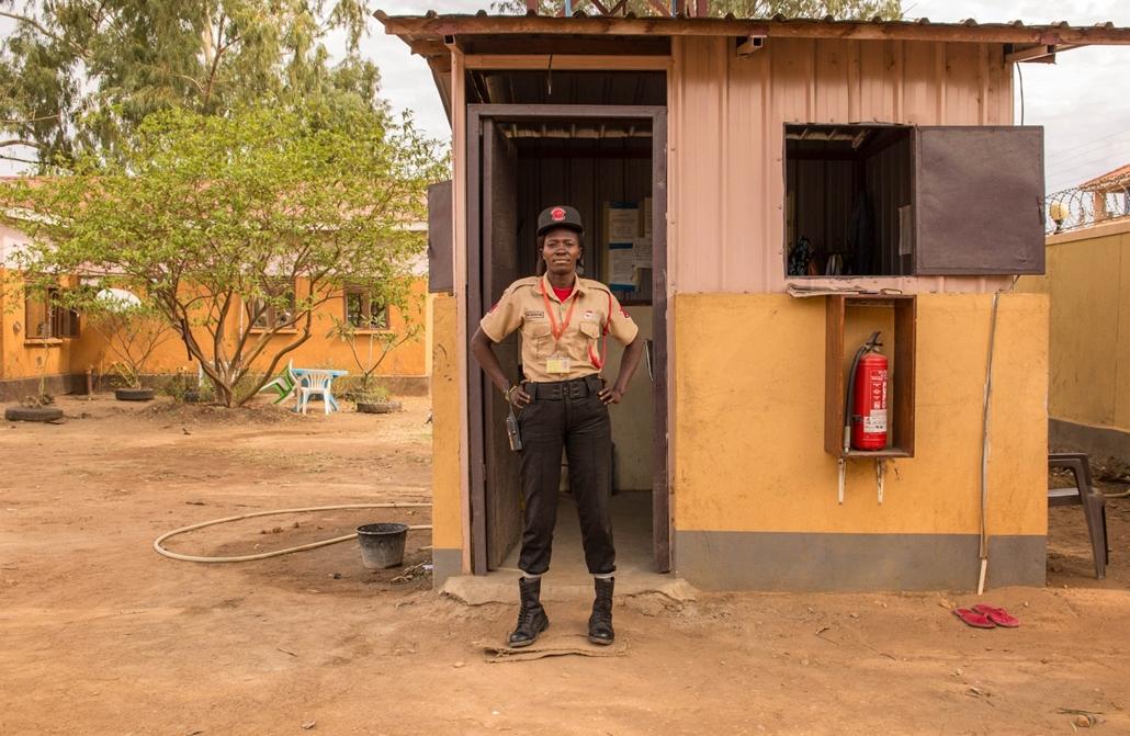 afp.18.02. - AFP Nőnap - Marlin Keji dél-szudáni 30 éves biztonsági őr Jubában