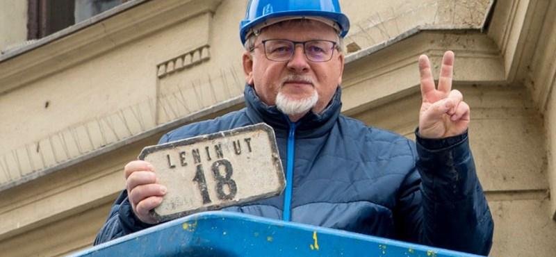 A győri polgármester is kritizálta az önkormányzati lakásvagyon elherdálását