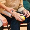Újabb költséget varrhatnak az önkéntes nyugdíjpénztári tagok nyakába