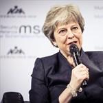 Megmutatta Theresa May, hogy igenis tud táncolni