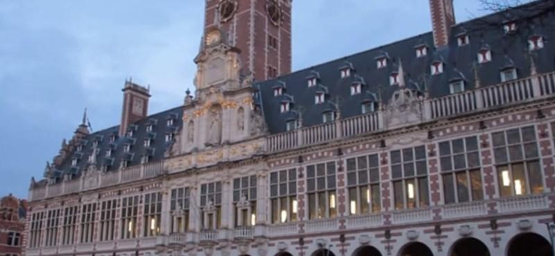 Videó: Különleges harangjátékkal emlékeztek meg Leuvenben a brüsszeli robbantásokról