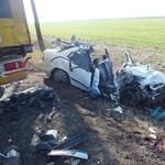 Két orvos meghalt a konfereciára tartó autóban – megvan a felelős (fotókkal)