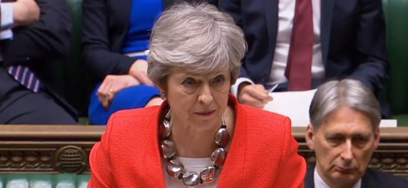 Mire készülnek? Theresa May váratlanul leült tárgyalni Jeremy Corbynnal