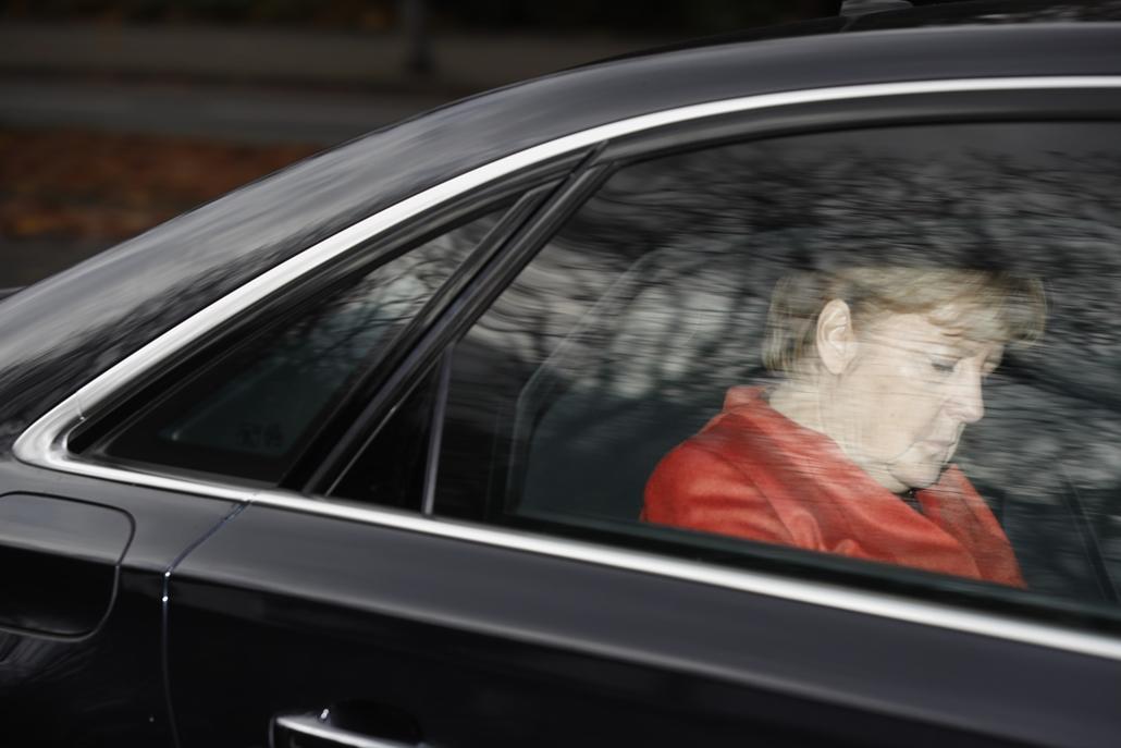 best of 2017 Angela Merkel a távozik az elnöki rezidenciáról ahol tájékoztatta Frank-Walter Steinmeier német államfőt a koalíciós tárgyalások kudarcáról