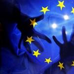 A politikai sárdobálás ellenére is csúcson az EU támogatottsága Magyarországon