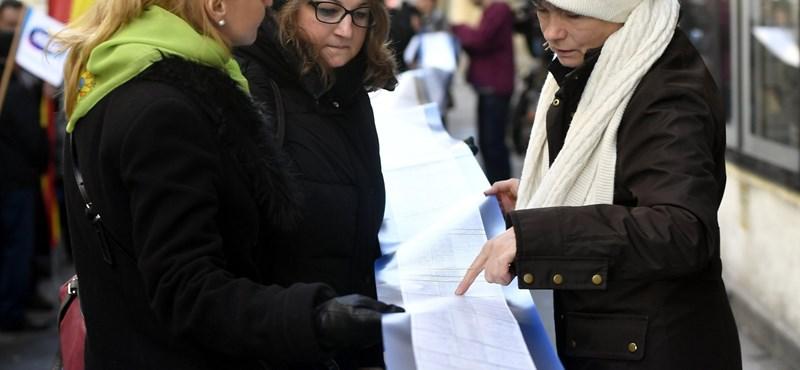 Őrült bérek országa: tanulj magyar, szegény lesz belőled!