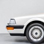 Időkapszula: csak 218 kilométer van ebben a 30 éves eladó Audi V8-ban