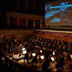 Rohamosztagosok kíséretében csendül fel a Star Wars zenéje Budapesten