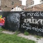 Összefogtak a rajongók a Bud Spencer-graffitiért