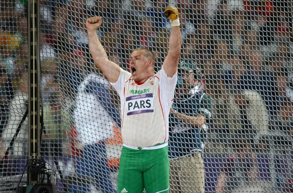 Pars Krisztián harmadik, nyertes 80,59 méteres dobása közben a 2012-es londoni nyári olimpia férfi kalapácsvetés döntőjében