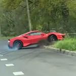 Megmutatta a Ferrari 448 Pista, mivé fajulhat egy óvatlan gyorsítás - videó