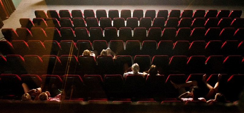 Sok pénzt lehet bezsebelni egy magyar színházban