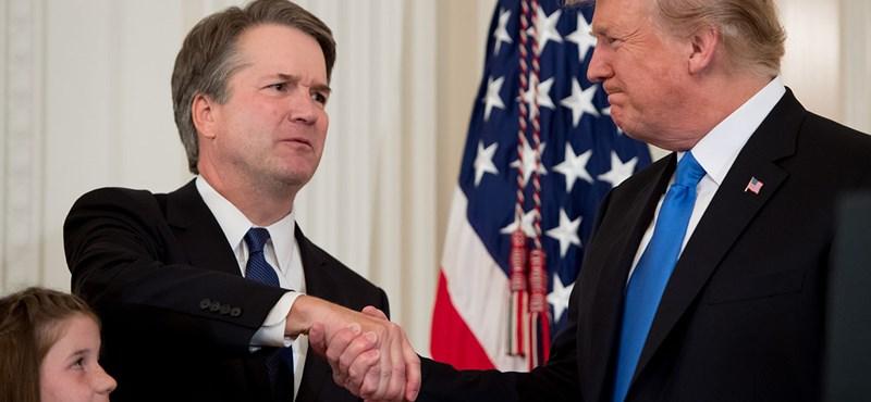 Trump bocsánatot kért a szexuális erőszakkal megvádolt főbírótól
