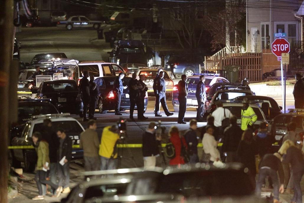 Bostoni robbantás, lövöldözés, lelőtt rendőr, Boston, 2013. április 19. 2013. április 19-én.