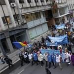 Felső határt szabna a pedagógusok fizetésének a kormány Romániában