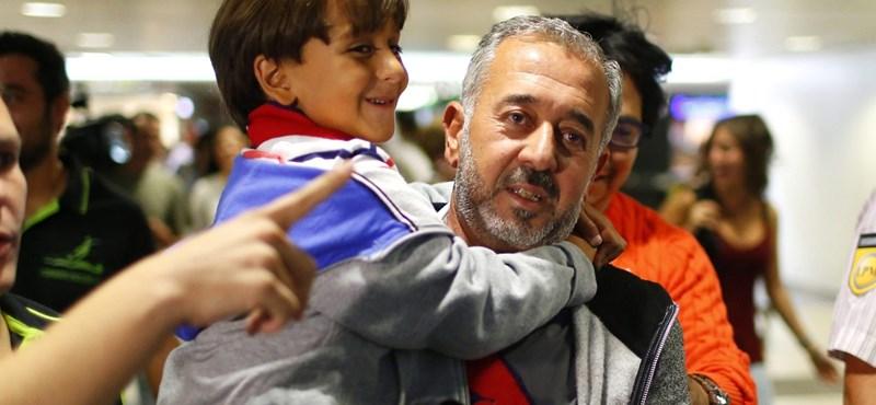 Jászberényi bocsánatot kér: ártatlan az elgáncsolt szíriai fociedző