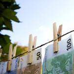 Két ország lekerült az adóparadicsomok feketelistájáról