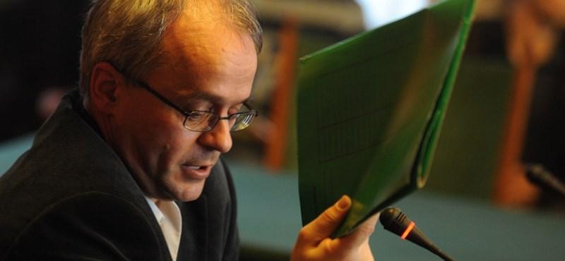 Még mindig maszatolnak a magyar hatóságok az áfabotrány ügyében