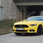 Ford Mustang Convertible-teszt: megérte 50 évet várni?
