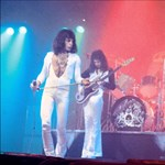 A magyar mozikban is újra átélhető a legendás Queen-koncert