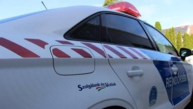 Rendőrautó gázolt el egy nőt Tokajban