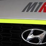Egyedi új szolgálati autót kapott Michelisz Norbi fiatal versenyzője