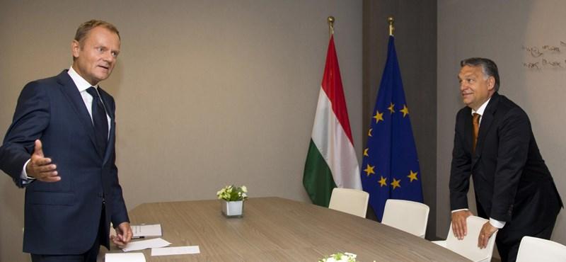 A Fidesz felfüggesztésének meghosszabbítását javasolja a Néppárt elnöke