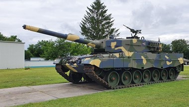 Megmutatta a honvédség az első magyar Leopard tankot