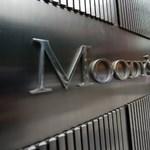 Magyar bankoknak is adott piros pontokat a Moody's