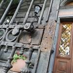 Csapatépítésnek szánja a Semmelweis Egyetem rektora az önkéntes kerítésfestést