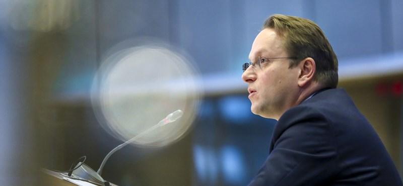 Várhelyi kénytelen lesz megtagadni Orbánt, ha bővítési biztos akar lenni