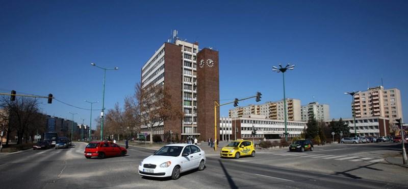 Súlyosan megvertek egy autista fiatalt Dunaújvárosban