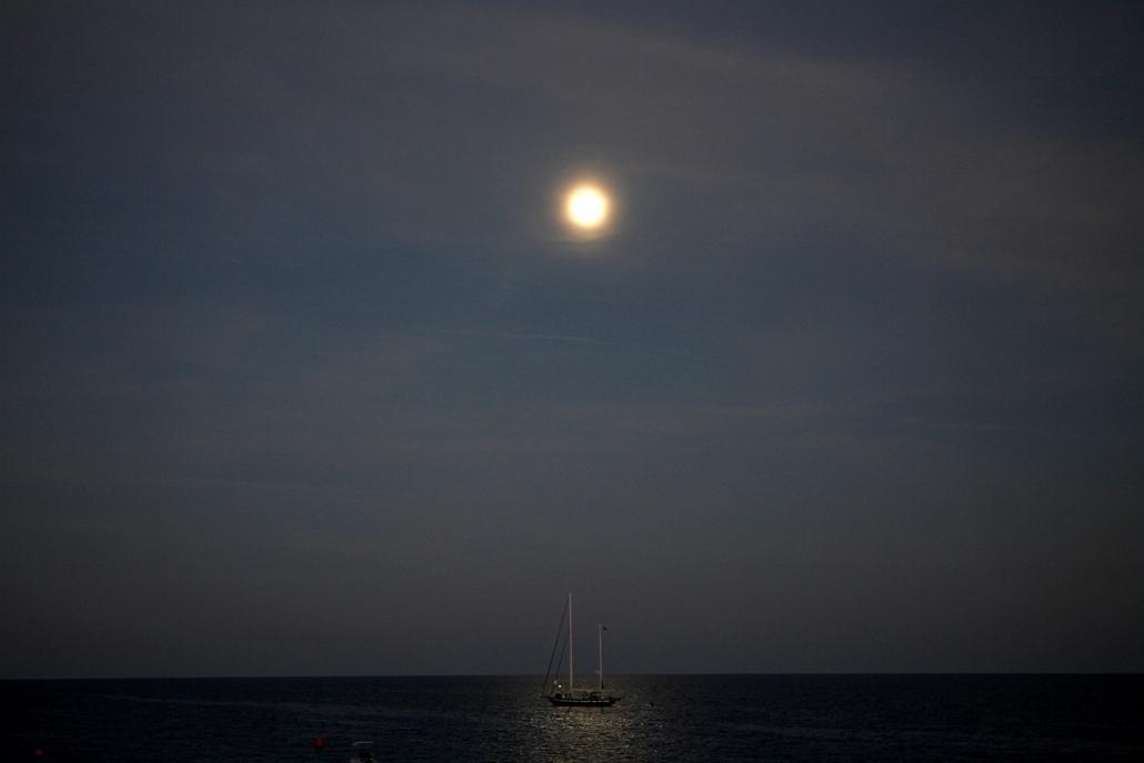 AP. Ciprus: hajó Konnos beach közelében - hét képei nagyítás