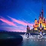 Videó: Kigyulladt az óriás sárkány a floridai Disney World parádéján