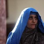 """Nagy ajándékot kapott a hazatoloncolt """"afgán lány"""""""