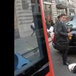 Ennél britebb dolgot nem lehet látni a londoni dugóban – videó
