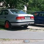 Szokott parkolni zöldterületen? Baj van: jön a bilincscunami