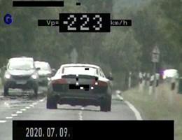 223-mal repesztett 90 helyett, amikor lekapcsolták a rendőrök