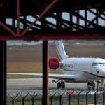 A Maldív-szigetekről tért vissza a NER repülőgépe hajnalban