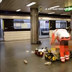 Itt a videó a szerdai metrógázolásról, így húzták ki a kocsi alól a sérültet