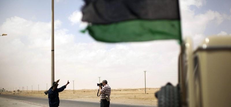 Líbia: a lázadók elfoglalták Miszráta repülőterét