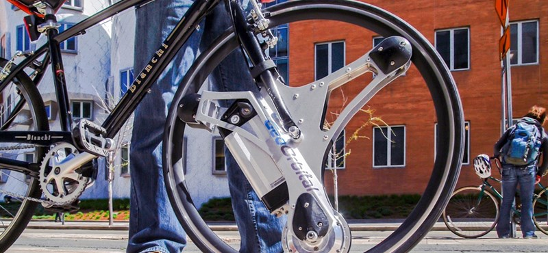 Itt a kerék, amellyel 1-2 perc alatt elektromos kerékpárrá alakítható bármelyik bicikli