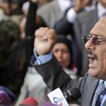Százezres tüntetések a jemeni elnök uralmának évfordulóján