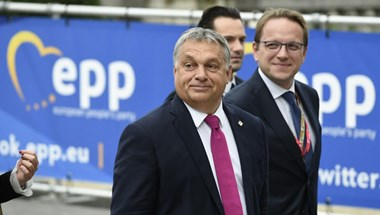 Feltételes szakítás: a Merkel-gyűlölő németeken múlik a Fidesz néppárti jövője