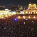 Örményországban folytatódik a forradalom